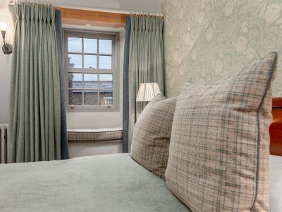 Croft bedroom 2 72 pixel images 1200 x 800