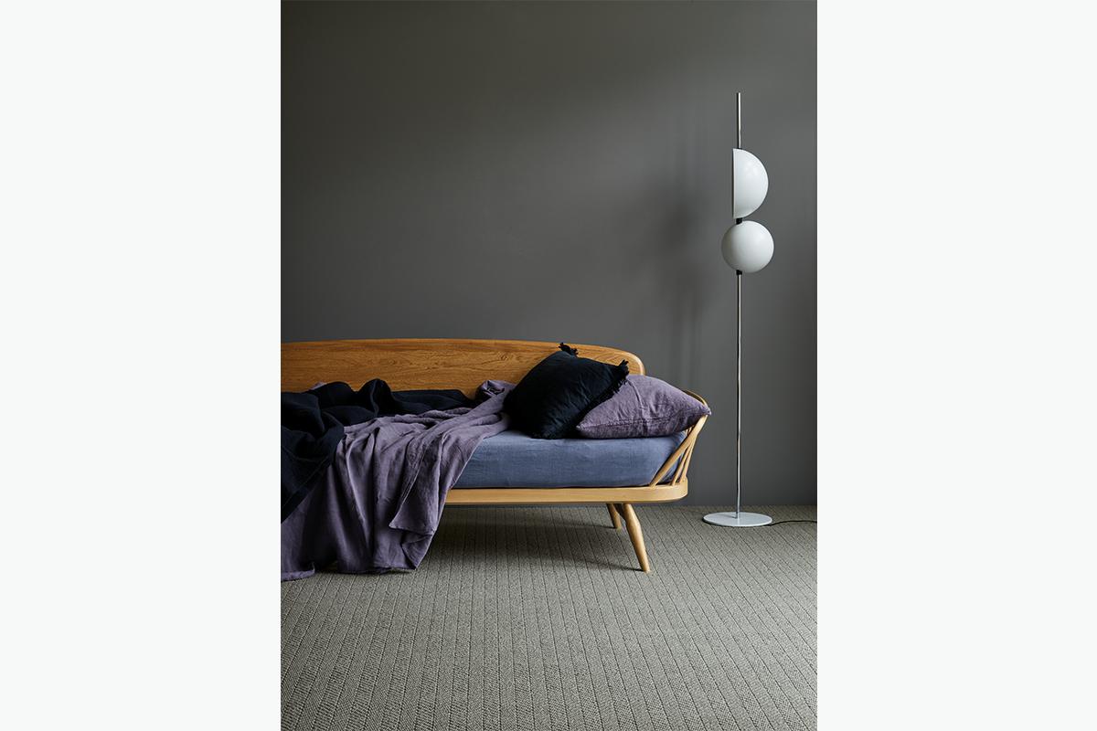 Cruial trading carpet 672 pixel images 1200 x 800