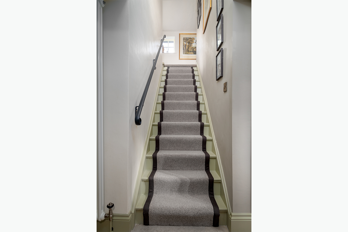 Cundells stair runner 72 pixel images 1200 x 800