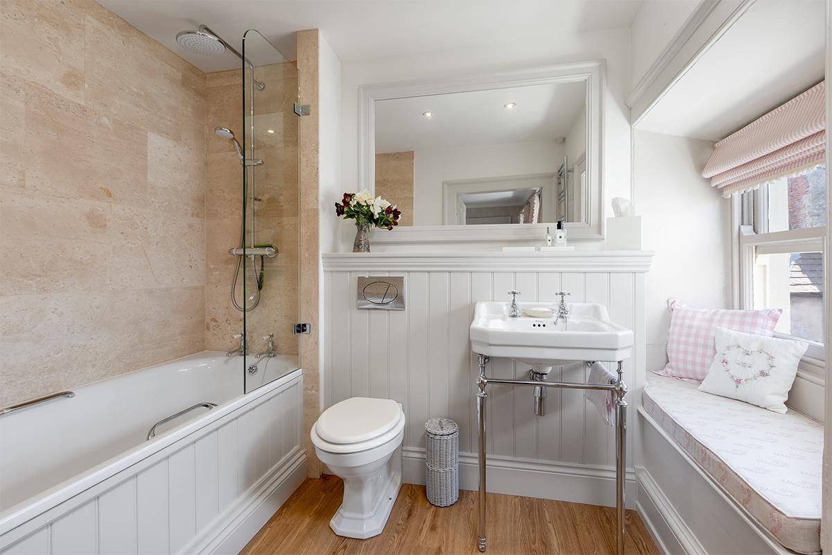 Middleham bathroom panelling 72 pixel images 1200 x 800