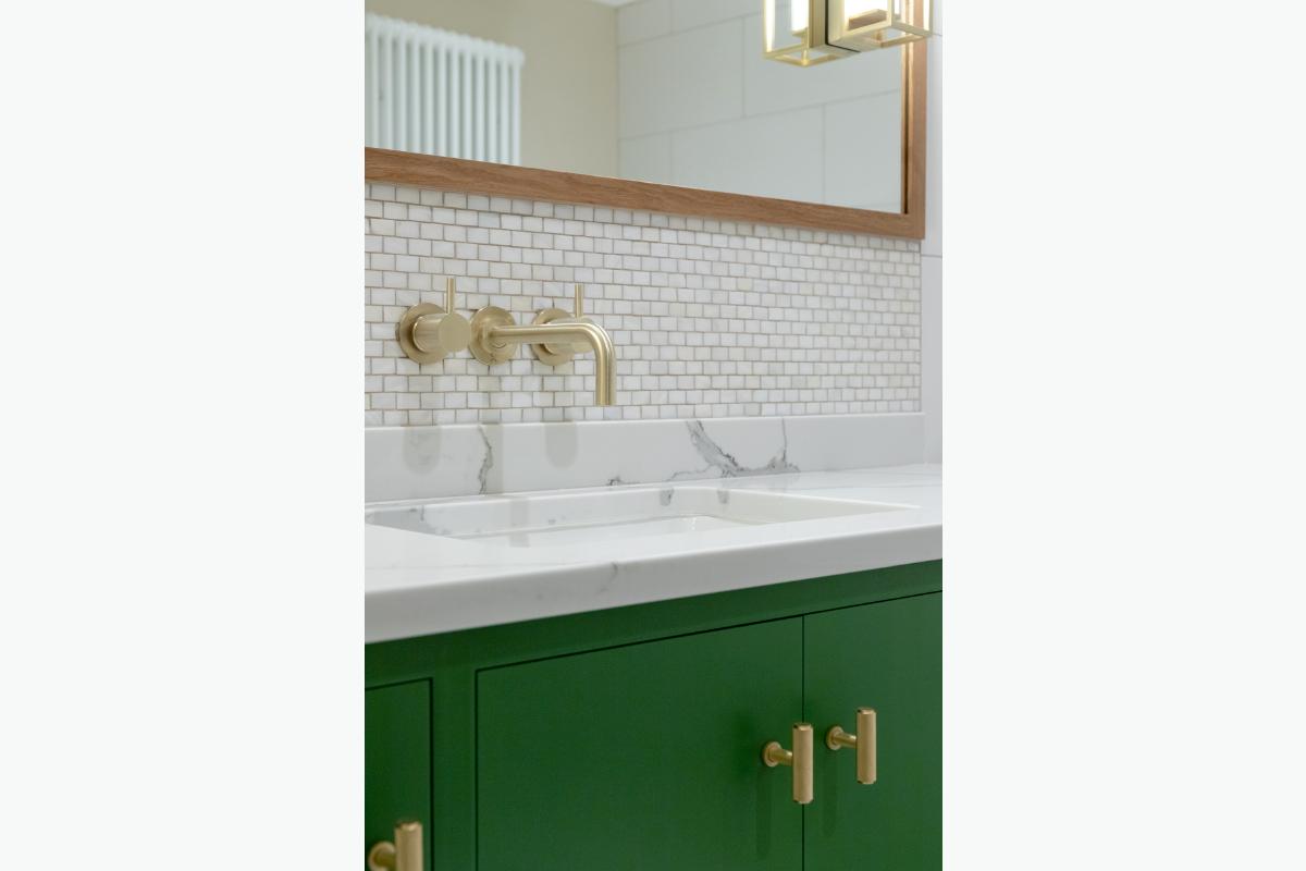 Westleigh Bath unit 272 pixel images 1200 x 800