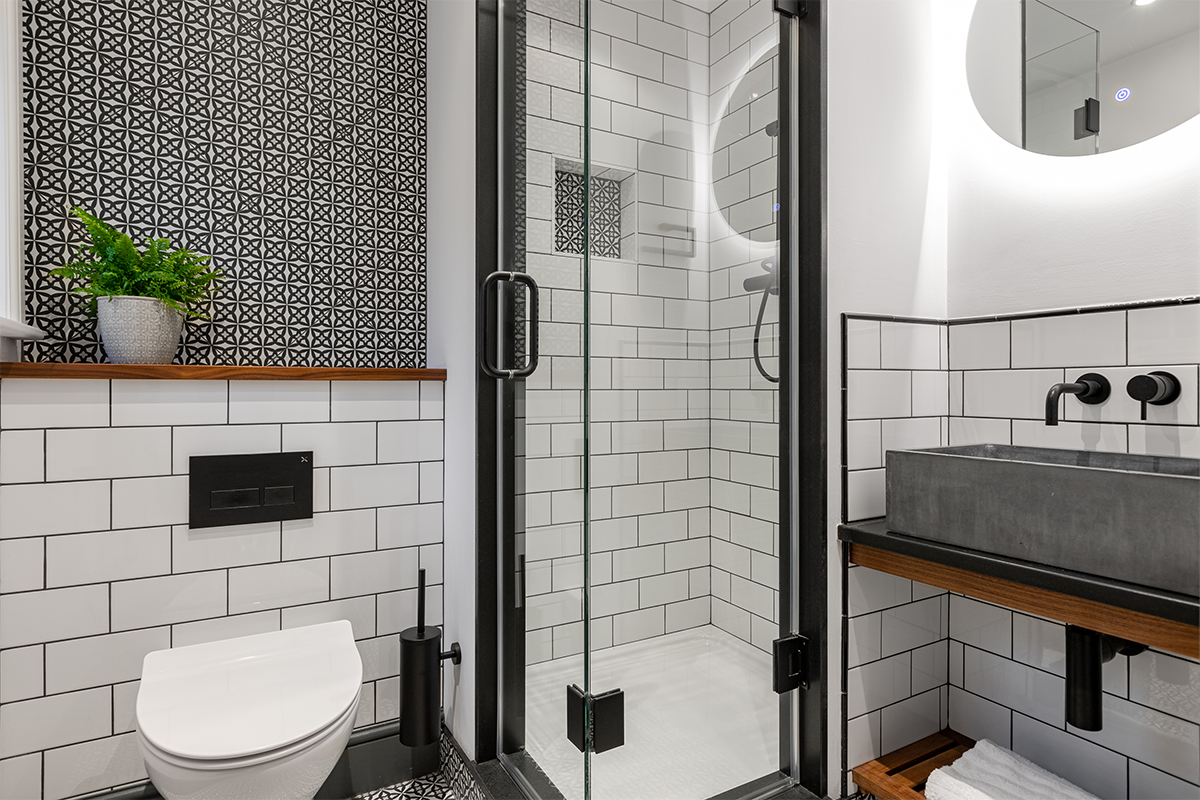 Westleigh black white shower room 72 pixel images 1200 x 800