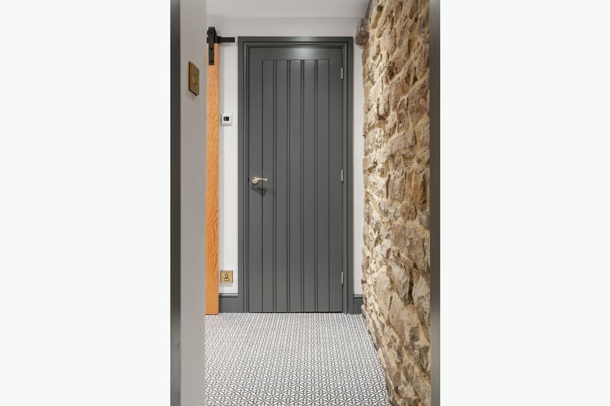 westligh grey door 72 pixel images 1200 x 800